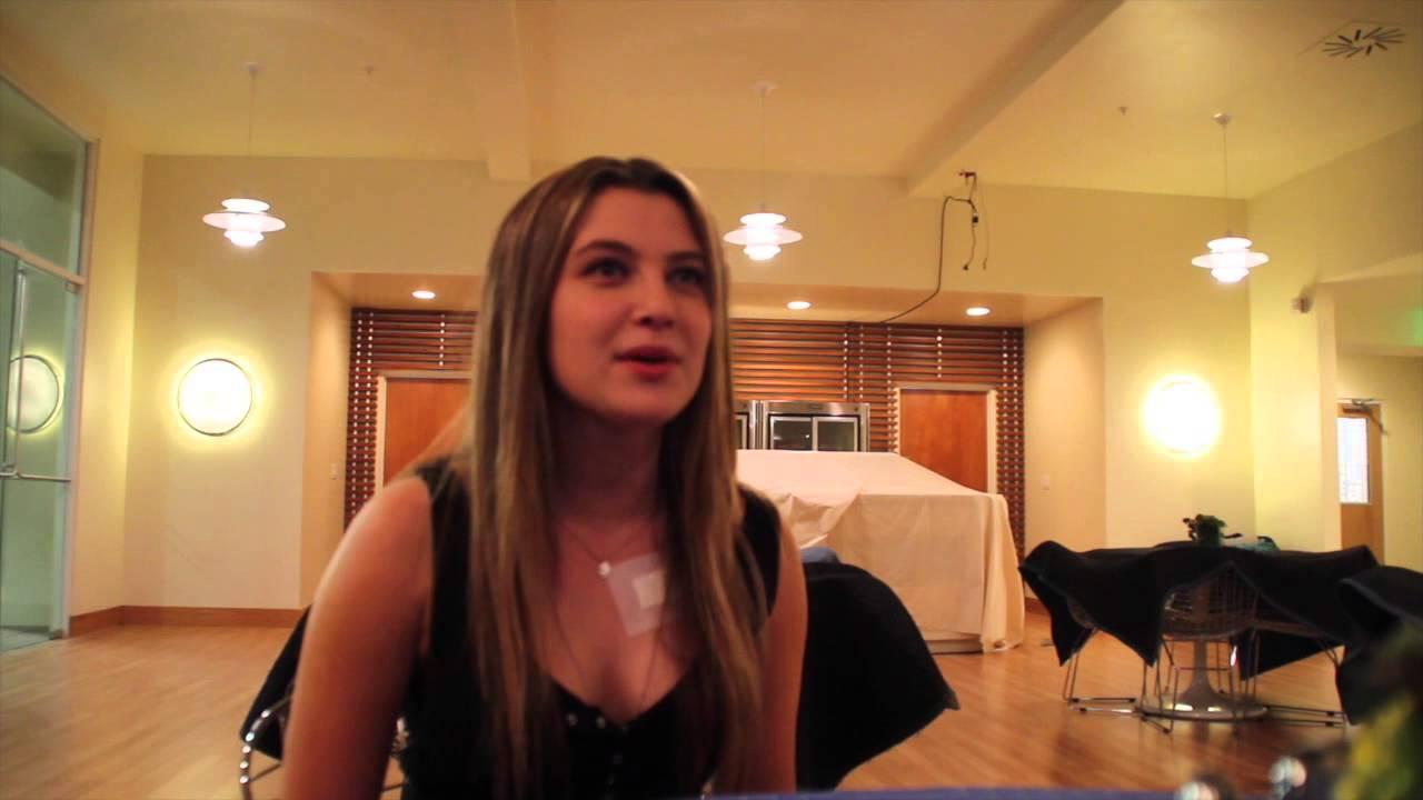 Zoe Levin Talks Red Ba...