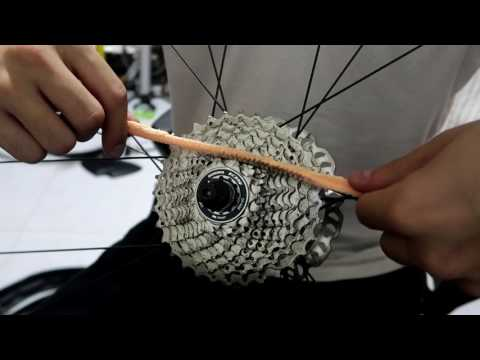 BICYCLE CASSETTE CLEANING TRICK