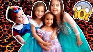 O CHÃO É LAVA COM AS PRINCESAS DA DISNEY - Sofia, Cinderela e Branca de Neve