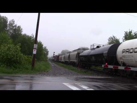 Ontario Trip 2017 Video 87 of 111: CN Mixed Train @ Newtonville Canada 29MAY17 ET44AC 3097 Leading