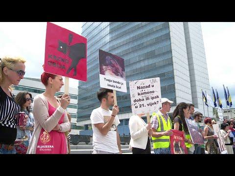 Sarajevo: Protest radi uzgoja životinja zbog krzna