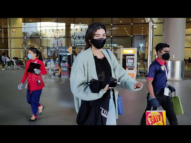 Khushi Kapoor Spotted At Airport Arrival