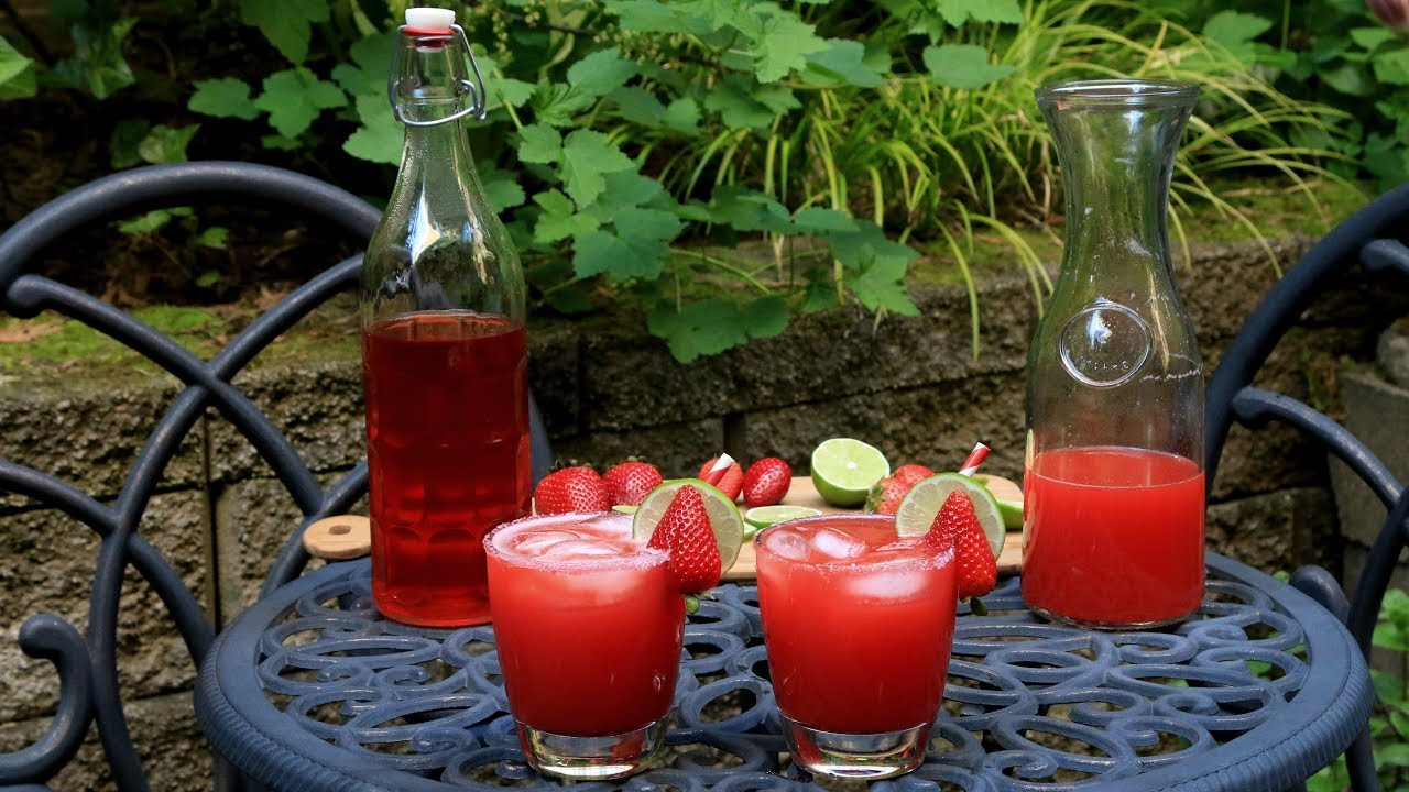 how to make a good strawberry margarita on the rocks