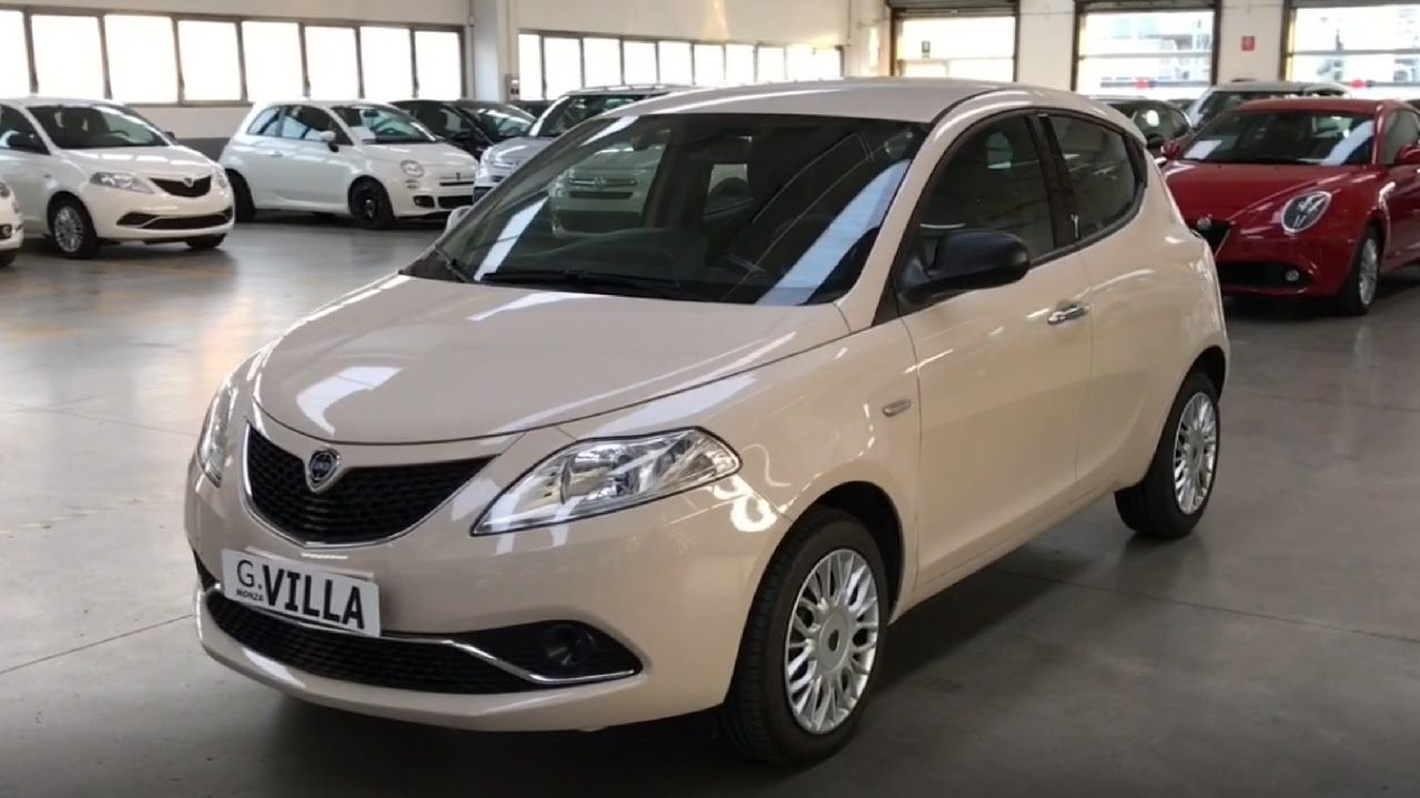lancia ypsilon 1 2 69 cv 5 porte silver km0 youtube. Black Bedroom Furniture Sets. Home Design Ideas