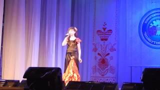 Поёт Вероника Пономарёва.