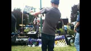 Download Zen Finger Painting - See You Again / Sunglasses At Night (live at Maker Faire) MP3 song and Music Video