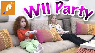 Играем в игровую приставку , детские игры для детей