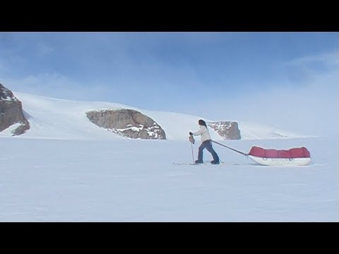 Ingrid skiing towards the southeastern part of the polar icecap - Penny Icecap 2009 expedition