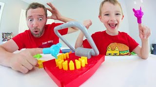 Father & Son PLAY SNAP TRAP! / Don't Get Crushed!!