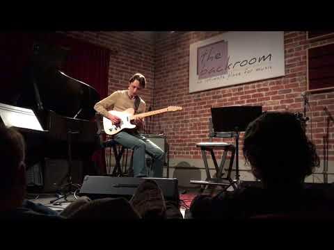 Solo improvisation @ The Back Room (Berkeley, CA)