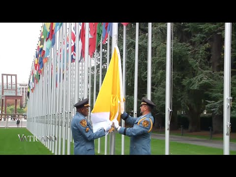 Vaticano 221 - 2015-11-8 - Vatican flag at the UN in Geneva