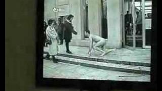 Олег Кулик . человек-собака в Германии