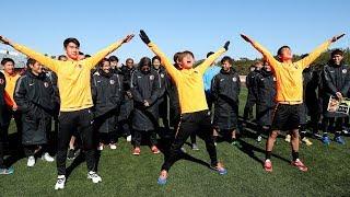 1月27日(日)の練習試合後、関係者・スポンサーの皆様の激励を受けまし...