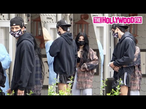 Jaden Hossler & Nessa Barrett Kiss & Cuddle While Wearing Each Other's Clothes On A Lunch Date
