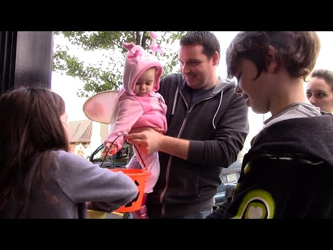 Video: Albany Downtown Trick or Treat