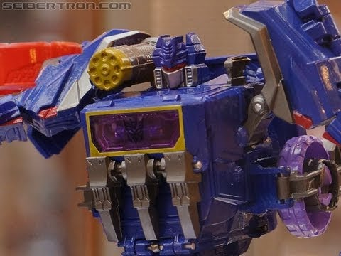 "Transformers Generations ""Fall of Cybertron"" products on display at BotCon 2012 - part 2"