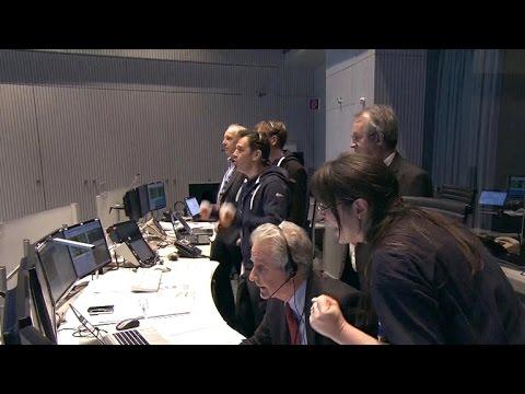 Unmanned spacecraft set for historic, hazardous landing on comet