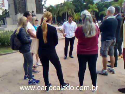Visita as praças Serzedelo Corrêa e Eugênia Jardim, em Copacabana