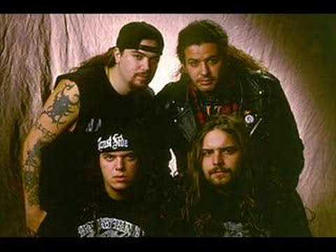 Sepultura E Pavarotti - Roots Bloody Roots
