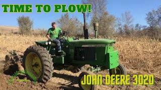 John Deere 3020 plowing