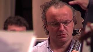Смотреть видео Тюменский оркестр везет свои «Симфонические танцы» в Санкт-Петербург онлайн