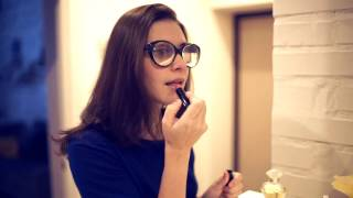 Shit happens - Girl with a glasses (Неприятности случаются - Девушка в очках)