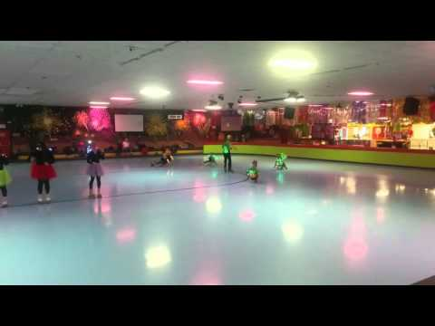 Skateland Mesa group skating part 2