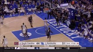 MONSTER Dunk by Derek Willis!!