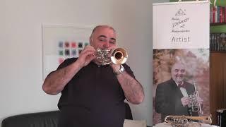 Franz Tröster und seine J. Scherzer Piccolo-Trompete Modell 8111
