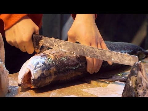 Street Food in Italy - FRESH SEAFOOD & FISH in Naples!!! ITALIAN STREET FOOD + Neapolitan Pizza