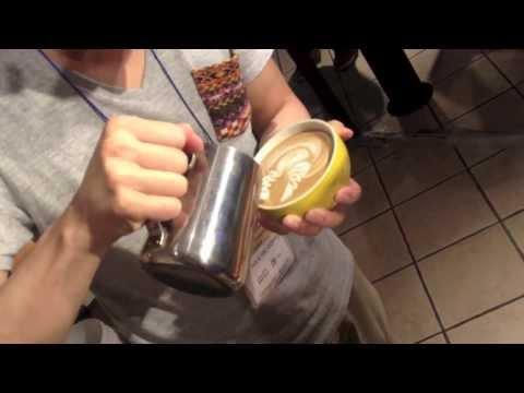 Junichi Yamaguchi's Latte Art Pouring @ Blenz 2013
