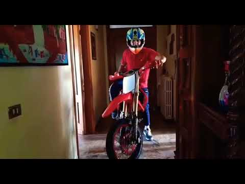 Entro Dentro Casa Di Mia Nonna Con La MOTO!!