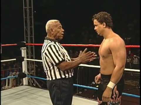WWC: The Colons (Carlito & Primo) vs. Thunder & Lighting (2009)