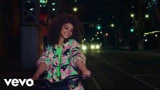 Смотреть клип Melii - Charlie'S Line