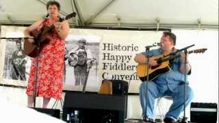 "Laura Boosinger and Uwe Kruger: ""Tom Dooley"""