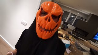 Claudia se arranca un diente decorando halloween by ItarteVlogs