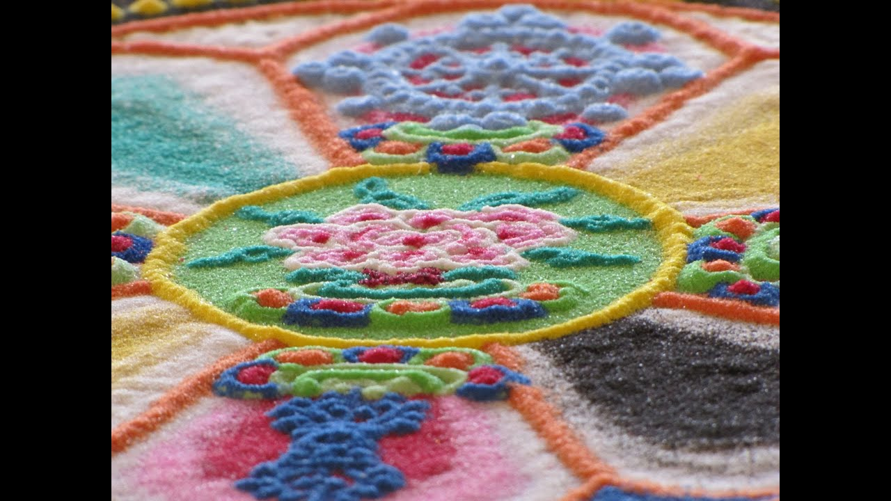 Traditional Tibetan Sand Mandala Time Lapse - YouTube