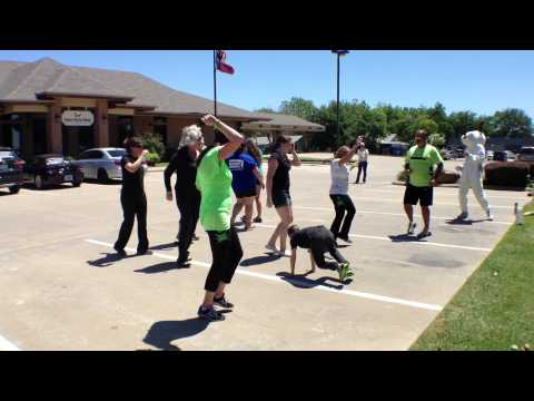 World's Largest Flash Mob- Visalus Mabank, TX