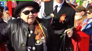 В Петербурге праздник начался с военно-морского парада