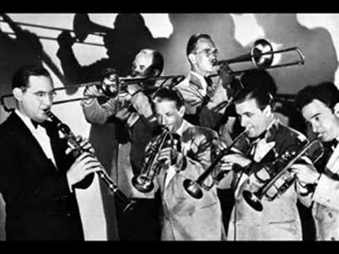 Swinging With The Big Bands