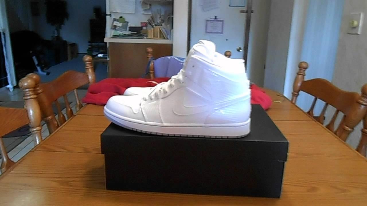 Air Jordan Une Robes Mid Blanc