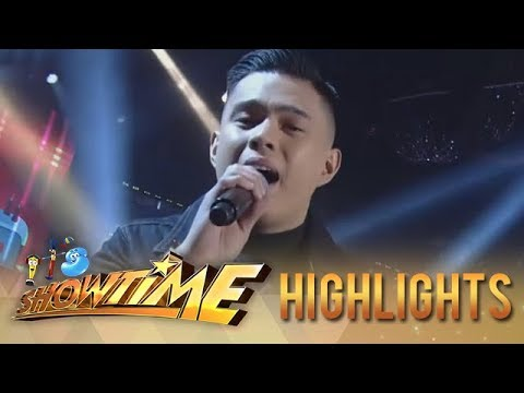It's Showtime: Anton Antenorcruz sings a medley of Regine Velasquez's songs