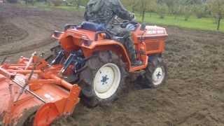 Glebogryzarka Kubota Bulttra B-15 japoński traktorek ogrodowy. www.akant-ogrody.pl