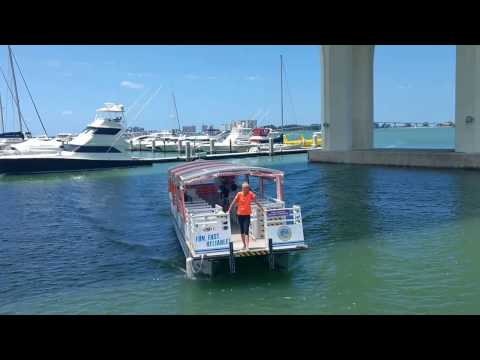 CLEARWATER FERRY CROSSES THE INTRACOASTAL WATERWAY