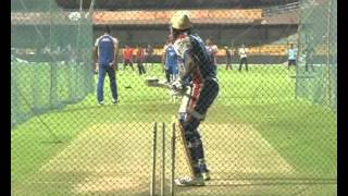 David Hussey vs Chris Gayle-Openers and Toast of IPL 2013 Season 6-Gayle Gangnam Style dance
