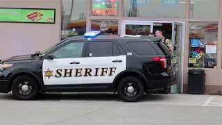 Multiple Snohomish County Sheriff's Units Responding Code 3 to Barricated Subject call 04/20/18