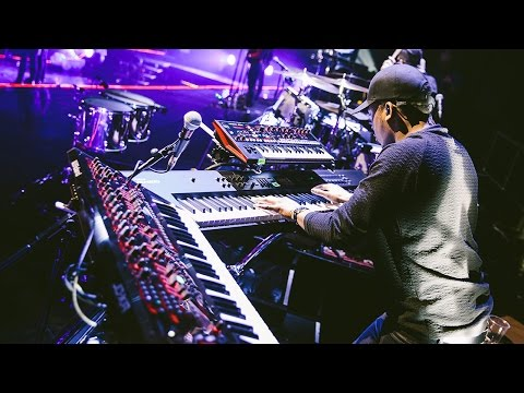 Kola Bello on the Roland gear powering Ellie Goulding's Delirium tour