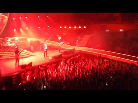 Queen + Adam Lambert - Radio Gaga - Tauron Arena Krakow 02/21/2015