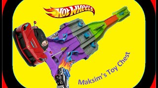 Toys For Kids Playing With Hot Wheels Race Cars SPLIT SPEEDERS