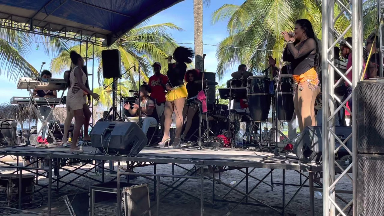 Download La Chicas Rolands Rebane de punta con la gente en vivo #Honduras #playa